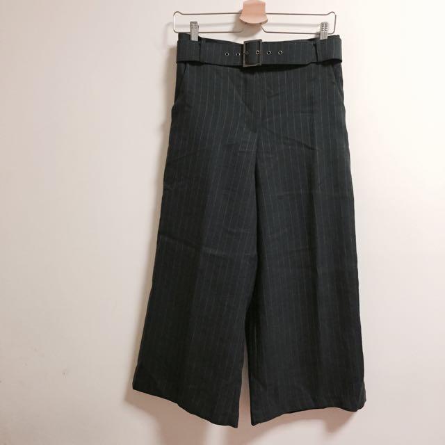 「正韓」墨綠附皮帶直條寬褲