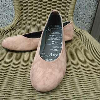 粉紅磨砂面平底鞋
