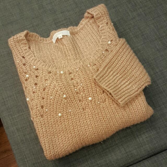 粉膚珍珠毛衣