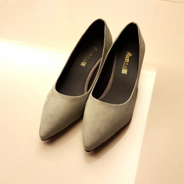 優雅灰調低跟鞋