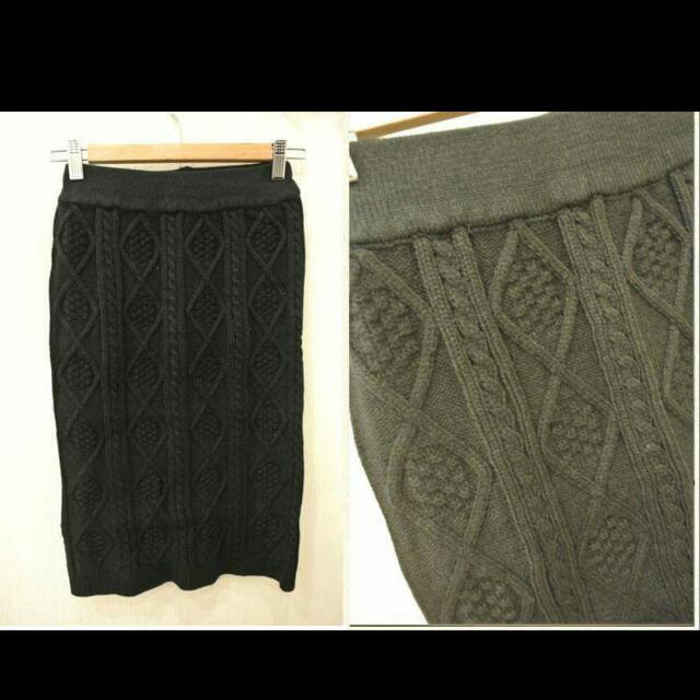 正韓 黑色針織及膝裙