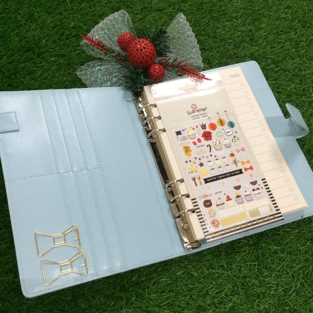 [HOT DEALS] A5 Plain Planner (with button) + Complimentary Planner Goodies