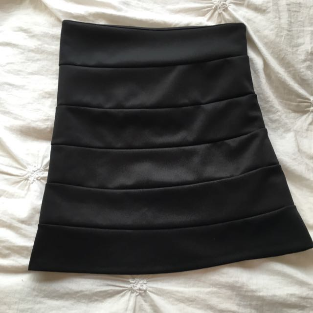 Ladies Black Skirt Size Small