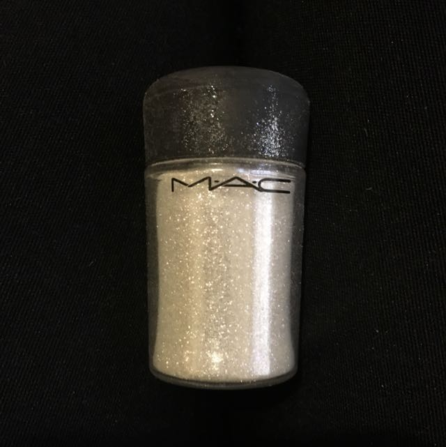 Mac Crystal Glitter Pigment Reflects Pearl