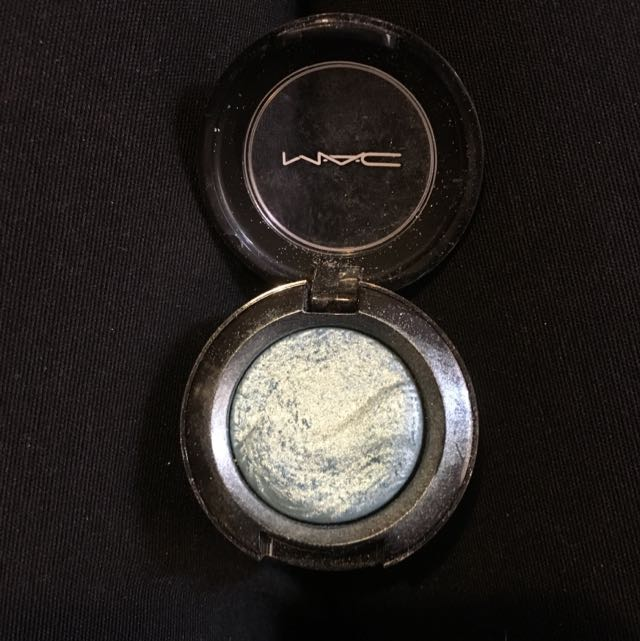 Mac Divine Blue Extra Dimension Mineralise Eye Shadow