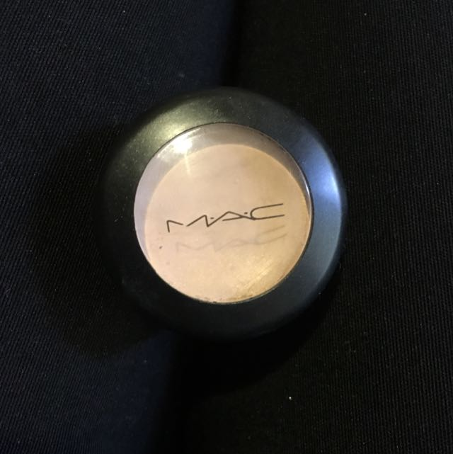 Mac NC20 Concealer Studio Finish