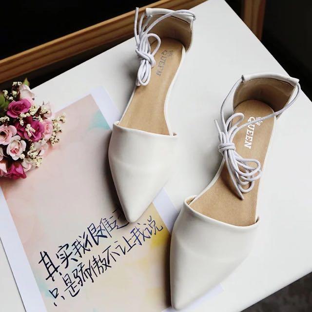 100%New白色綁帶平底鞋