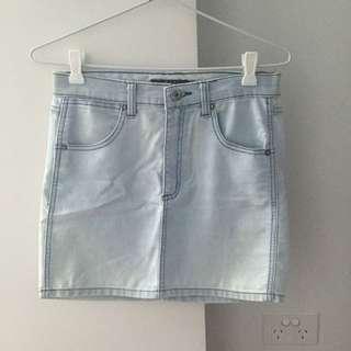 Ninie Mini Skirt Size: Medium