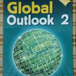 Global Outlook 2 。八成新。有筆記