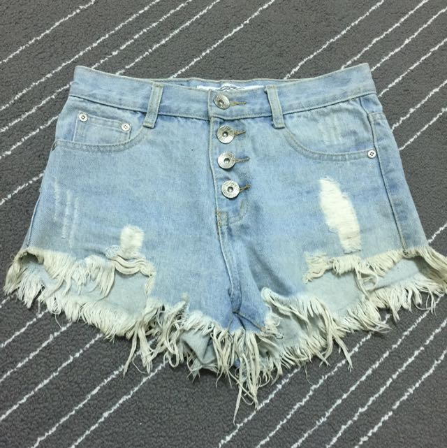 四排釦高腰短褲
