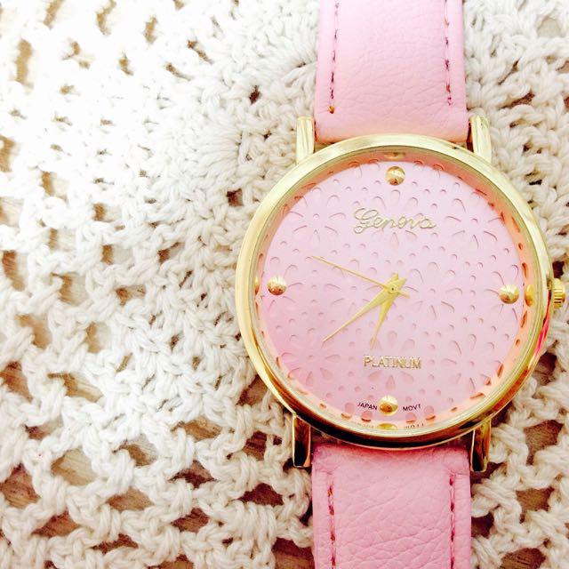 鏤空粉色花朵手錶