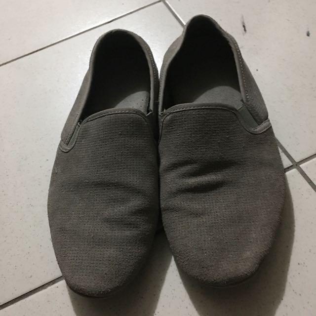 降價❗️Zara⚡️灰色休閒鞋📢