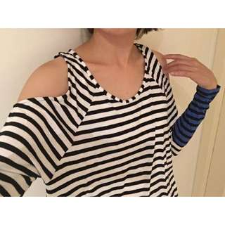 Size XXS Off-shoulder black & white Stripe top (Sportsgirl)