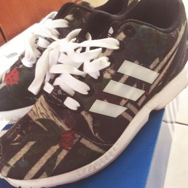 Adidas 花邊系列運動鞋