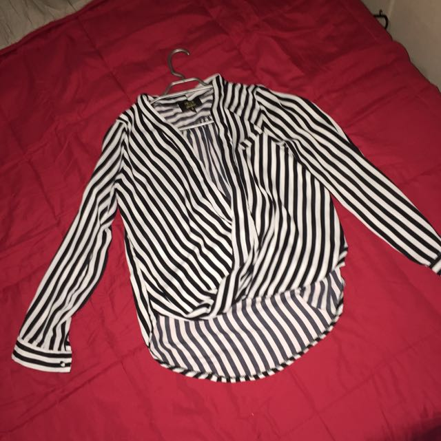 Black And White Long Sleeve Size M