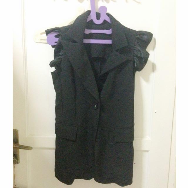 Black Vest/Outer