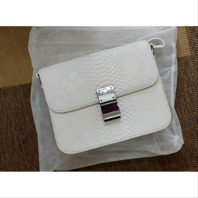 Offer!!!!Something Borrowed White Faux Snakeskin Messenger Sling Bag