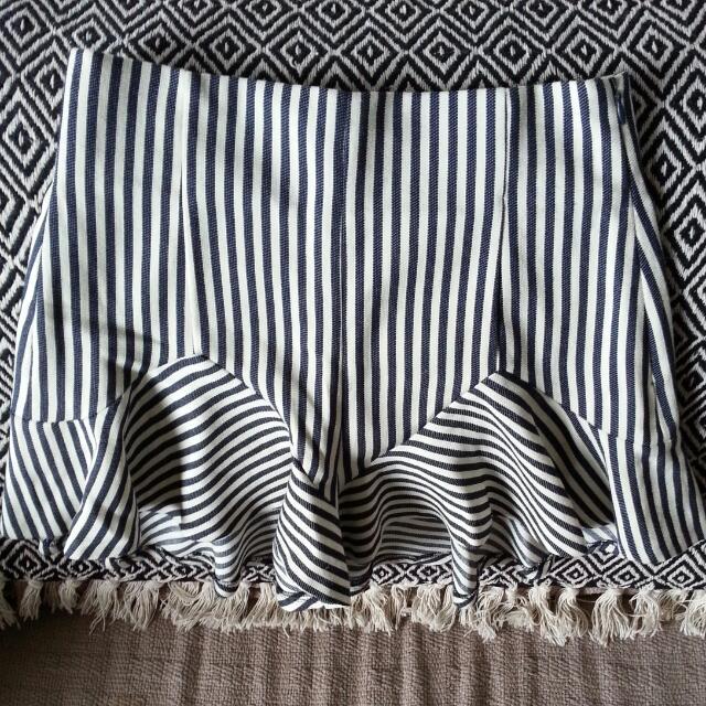 BNWT Zara Shorts Made In Spain Size XS