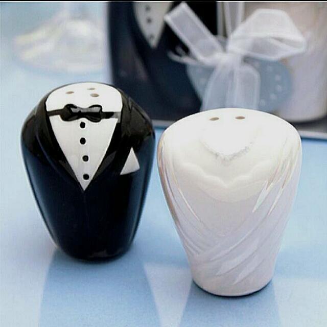 Salt And Pepper Wedding Favors Wedding Decor Ideas