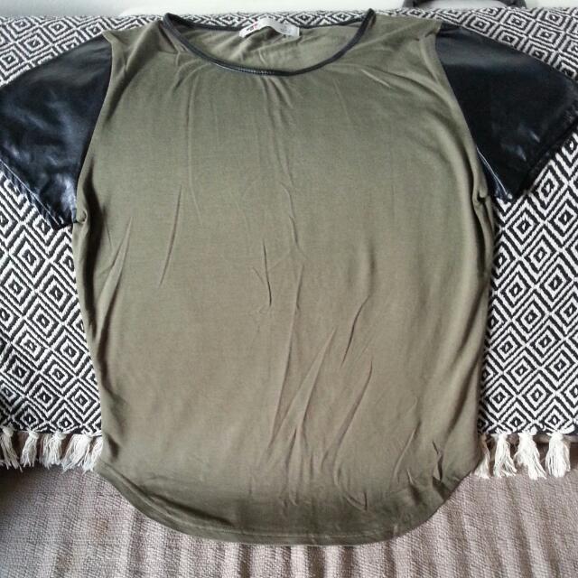 Khaki Green & Leather-like Sleeves. Size S