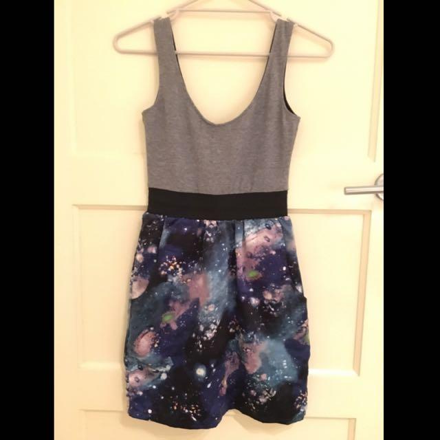Size 6 Brand New! Galaxy Dress (BACKSTAGE)