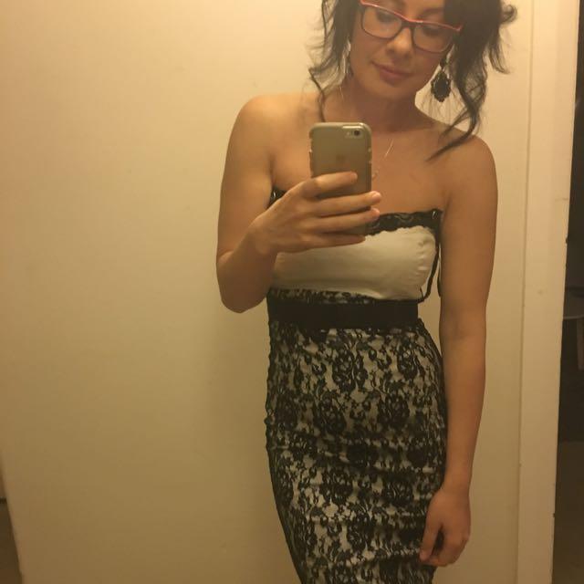 Portmans Lace Detail Dress. Size 8