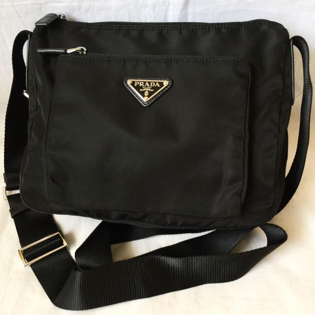 ... wholesale prada mens womens black nylon crossbody swingpack sling bag  100 authbrand new bt0909 luxury on ... 3929c16d5a5d3