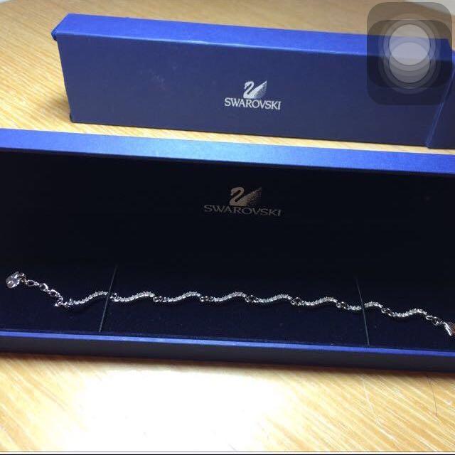 Swarovski 水晶手鏈 17cm 編號661066 出清價喔!