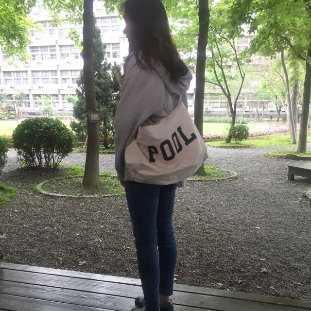 The POOL斜背包