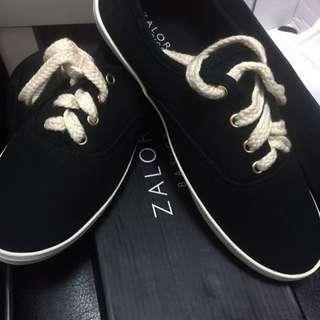 全新 Zalora 小黑鞋 休閒鞋