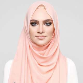 ❗️PENDING TO NISALEE_ - dUCk Scarf Georgette In Peaches & Cream