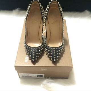 Christian Louboutin Pigalle Size 34