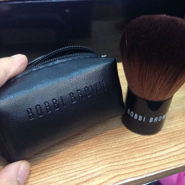 Bobbi Brown Brush + Pouch
