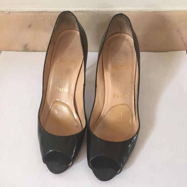 uk availability de4b1 87c0b Christian Louboutin Black Patent Peeptoe Heels