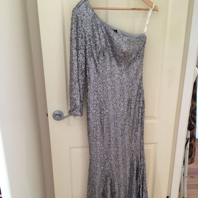 Evening ware, Blue/silver Dress, It's American Size 6, But It will fit a Size 10-12 (the fabric Is stretchy)