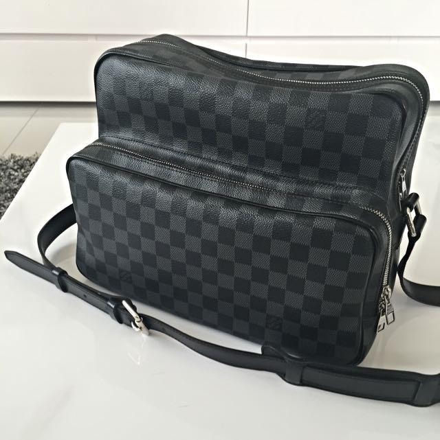 LOUIS VUITTON Damier Graphite Sac Leoh Messenger Bag, Luxury, Bags    Wallets on Carousell d54a78ebbdd