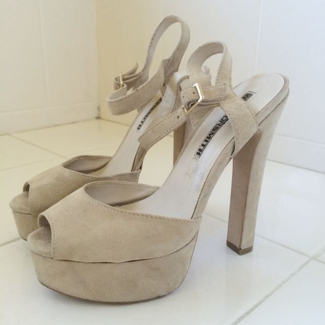 Windsor Smith Nude Platform Heels Size 7.5
