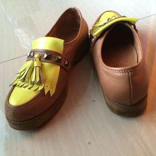 亮黃懶人鞋