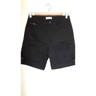 全新m號高腰口袋刺繡黑色短褲