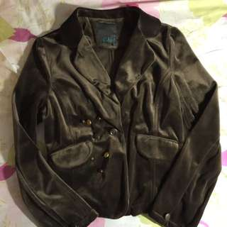Gozo咖啡絨質短版合身外套