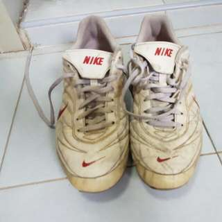 Nike Tiempo Boots (Used)