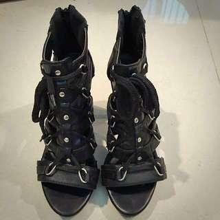 Jia Jia Lin黑色造型高跟鞋