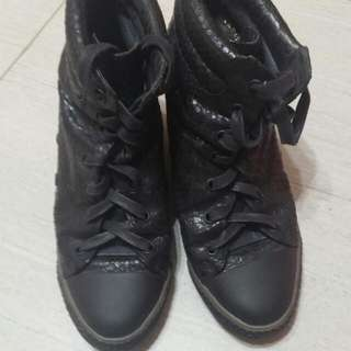 💥2手💥Millies 36 Size 內增高波鞋