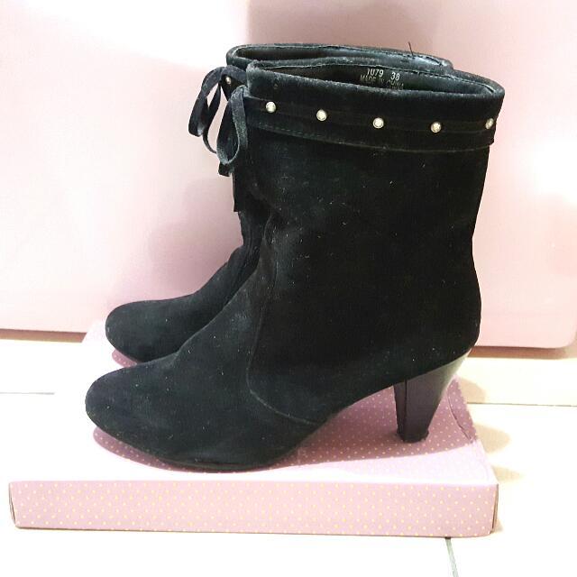 (降價)黑色短靴