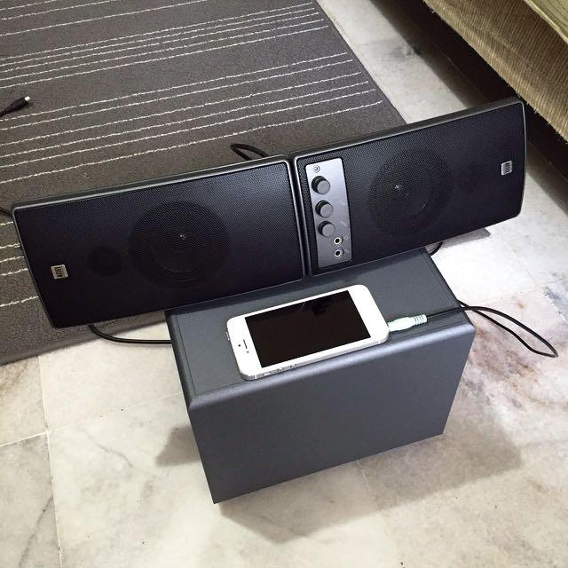 Altec Lansing 2.1 Speakers W/box