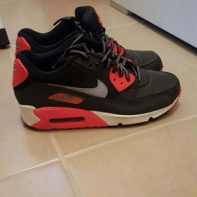 AUTHENTIC Nike Air Max 90 Red/black