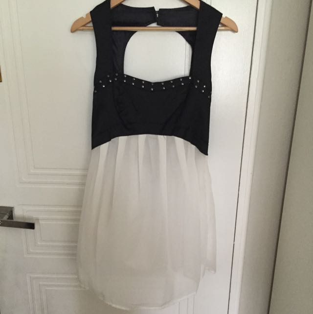 Black & White Mini Dress With Stud Sweetheart Neckline Size 10