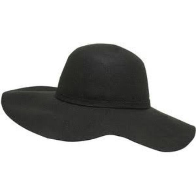 Black floppy wool hat