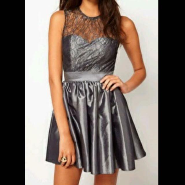 Elise Ryan Lace Dress