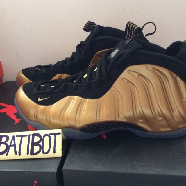 huge selection of cd3f8 14c28 Nike Foams Gold, Sports on Carousell